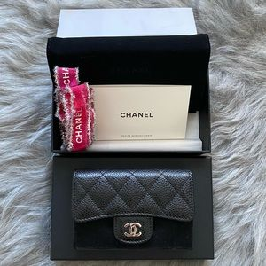CHANEL CLASSIC BLACK CARD HOLDER SILVER HARDWARE
